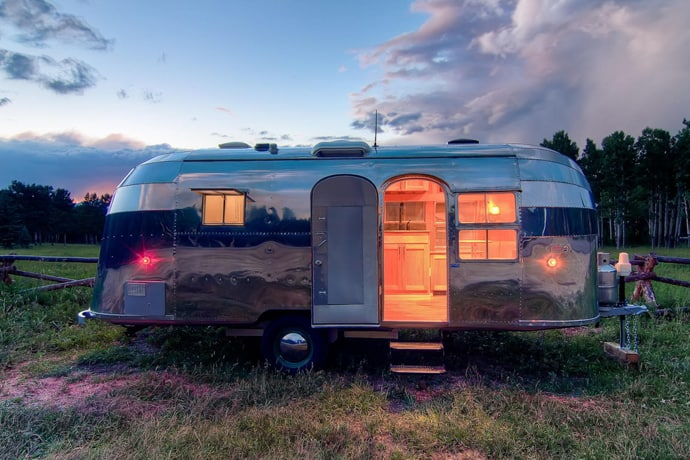Airstream-Flying-Cloud-Travel-Trailer-designrulz (28)