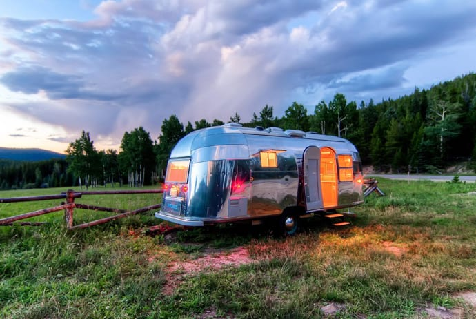 Airstream-Flying-Cloud-Travel-Trailer-designrulz (29)