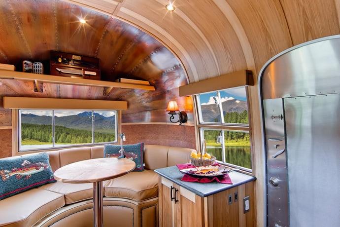 Airstream-Flying-Cloud-Travel-Trailer-designrulz (36)