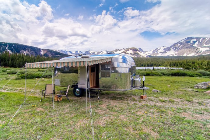Airstream-Flying-Cloud-Travel-Trailer-designrulz (4)