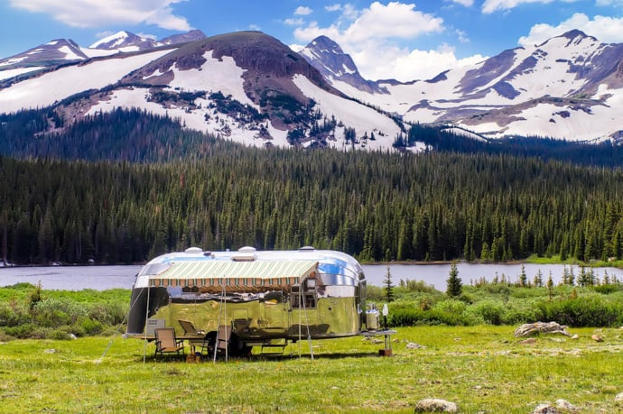 Airstream-Flying-Cloud-Travel-Trailer-designrulz (7)