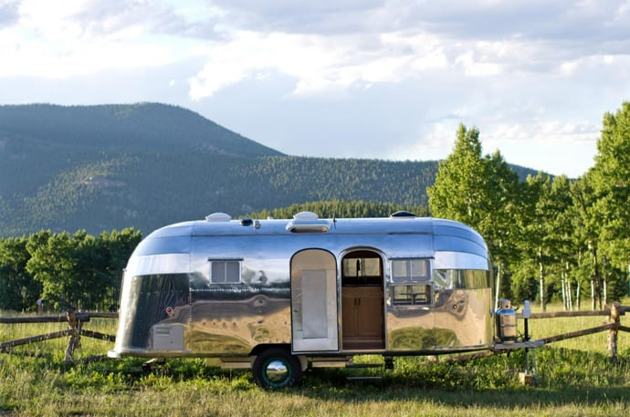 Airstream-Flying-Cloud-Travel-Trailer-designrulz (9)