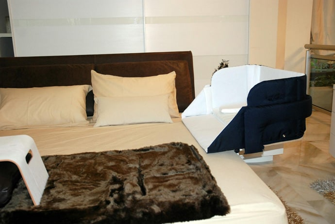 the culla belly co sleeper attaches onto beds for easy access. Black Bedroom Furniture Sets. Home Design Ideas