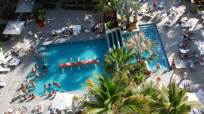 La Concha, pool aerial
