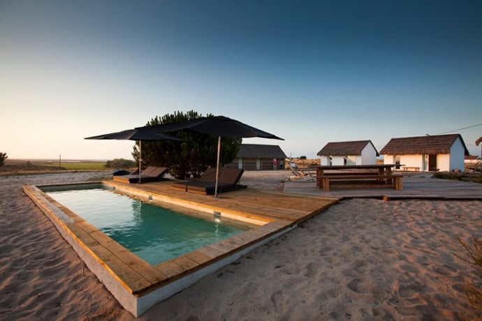Top 10 most beautiful beach houses across the world for Best house resort design