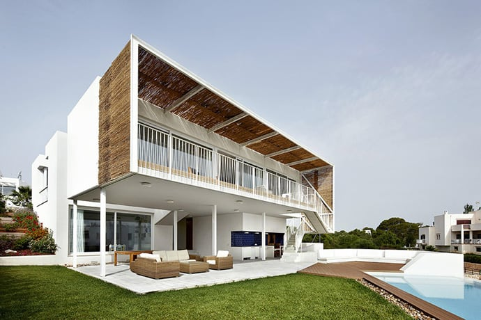 Top 10 most beautiful beach houses across the world for Best house design worldwide
