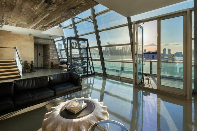 Beautiful Glass Penthouse On Greenwich Street New York