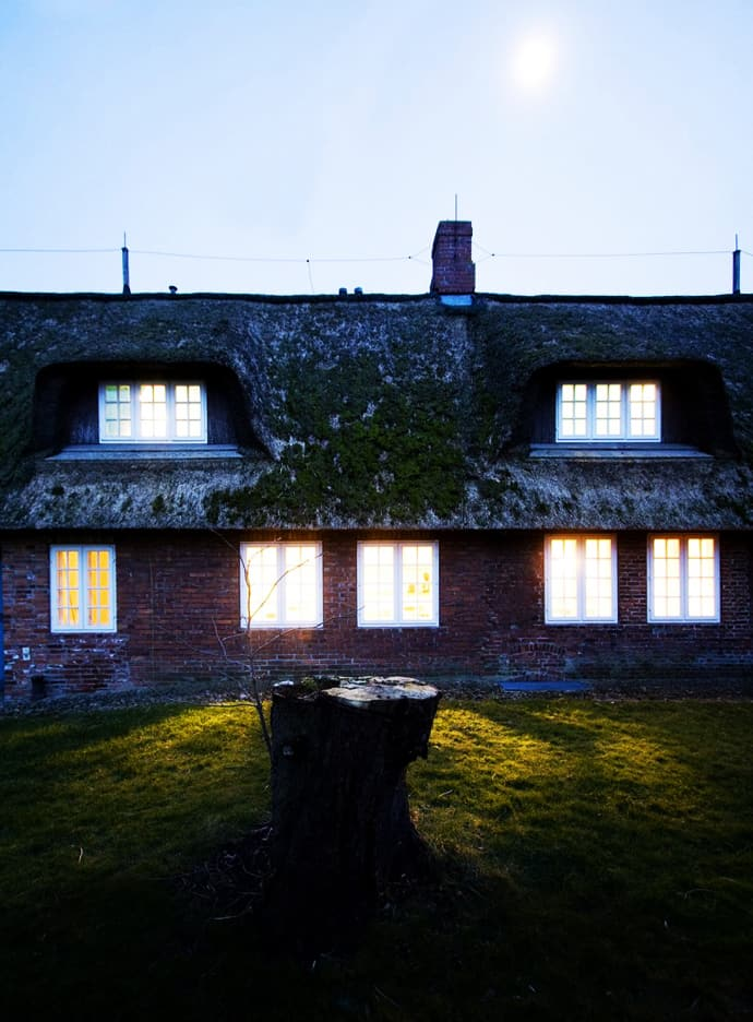 German House Designs: Traditional German House With Modern Interior: FÖHR By
