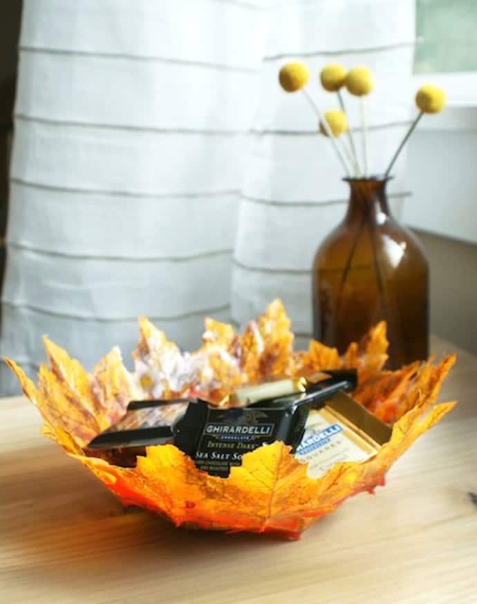 DIY Autumn Leaf Bowls    DesignRulz.com