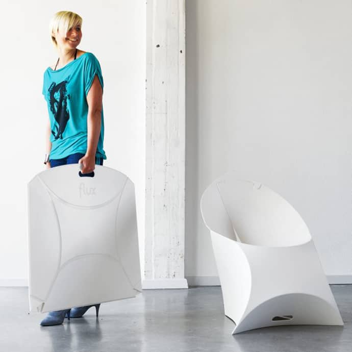 Flexible Chair Design That Can Be Folded To Carry Around