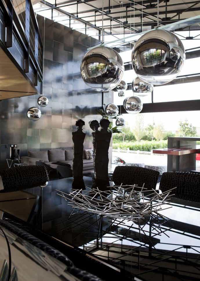 Ngôi nhà hiện đại được vật chất hóa trong ngôi nhà hoang Nico van der Meulen Architects (15)