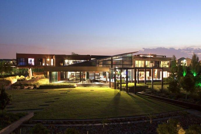 Ngôi nhà hiện đại được vật chất hóa trong vùng hoang dã - House Tsi của Nico van der Meulen Architects (3)
