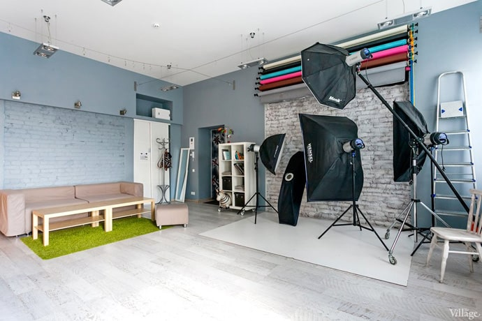 Taking Pictures In A Vibrant Photo Studio Kiev