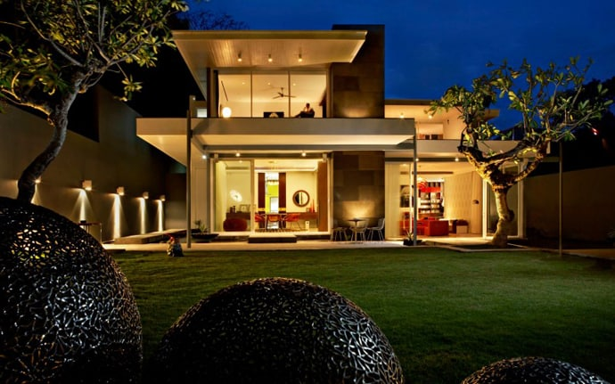 "designrulz-villa-002 ""height ="" 431 ""width ="" 690 ""srcset ="" https://cdn.designrulz.com/wp-content/uploads/2014/01/ designrulz-villa-0021.jpg 690w, https://cdn.designrulz.com/wp-content/uploads/2014/01/designrulz-villa-0021-383x239.jpg 383w ""size ="" (max-width: 690px) 100vw, 690px ""/> </source></source></picture> <picture class="