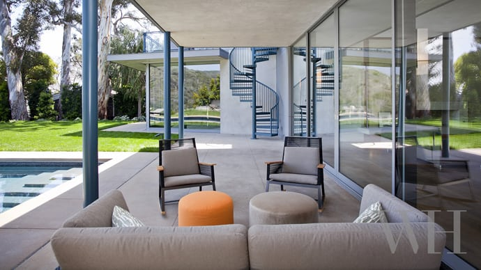 """house-designrulz-003"""" height = """"388"""" width = """"690"""" srcset = """"https: // cdn .designrulz.com / wp-content / uploads / 2014/01 / house-designrulz-003.jpg 690w, https://cdn.designrulz.com/wp-content/uploads/2014/01/house-designrulz-003- 425x239.jpg 425w """"size ="""" (max-width: 690px) 100vw, 690px """"/> </source></source></picture><picture class="""