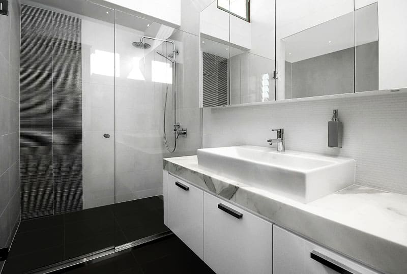 Ten of the Best Modern Black Bathrooms designrulz (2)