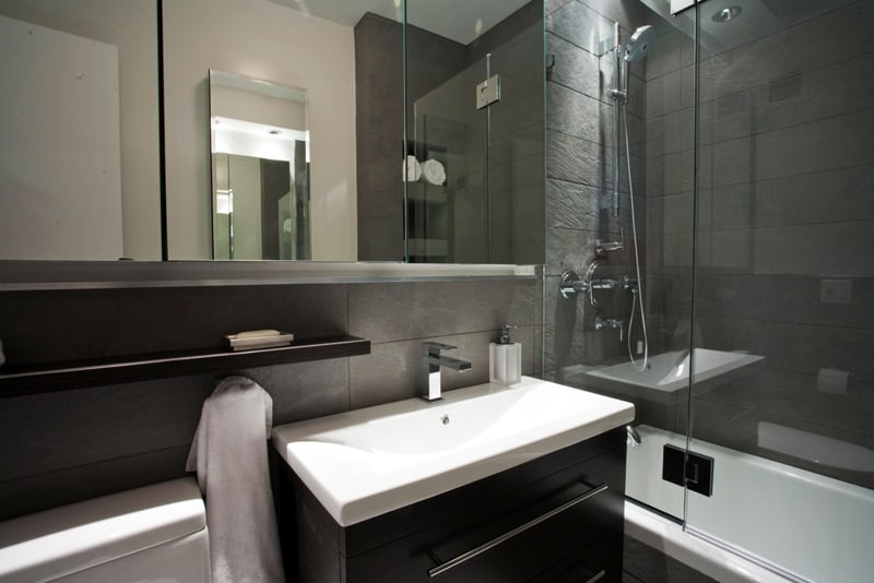 Ten of the Best Modern Black Bathrooms designrulz (6)