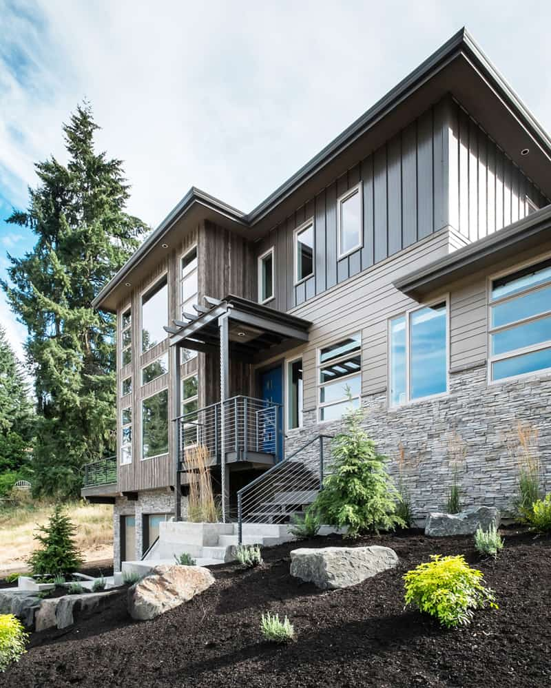 Mountain Crest Apartments: Luxurious Multi-Level House: Crest Meadows Residence By