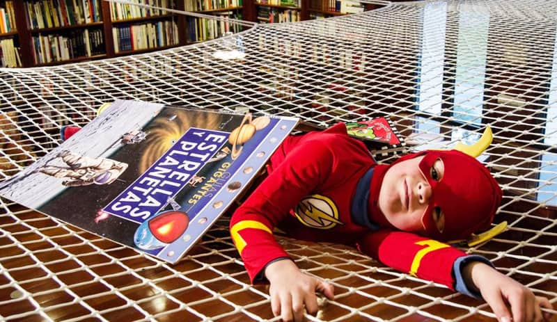 Kids-reading-designrulz (2)