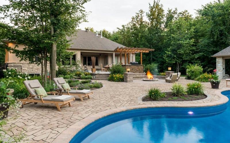 35 outdoor pools design trends of summer 2014 for Pool design trends