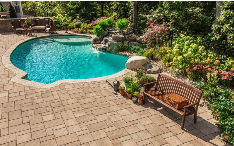 35 outdoor pools design trends of summer 2014 for Pool design trends
