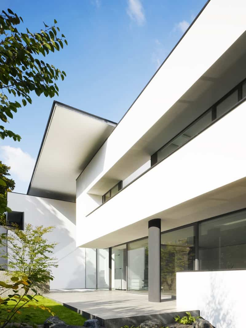 Contemporary Heidehof House With Pool in Stuttgart