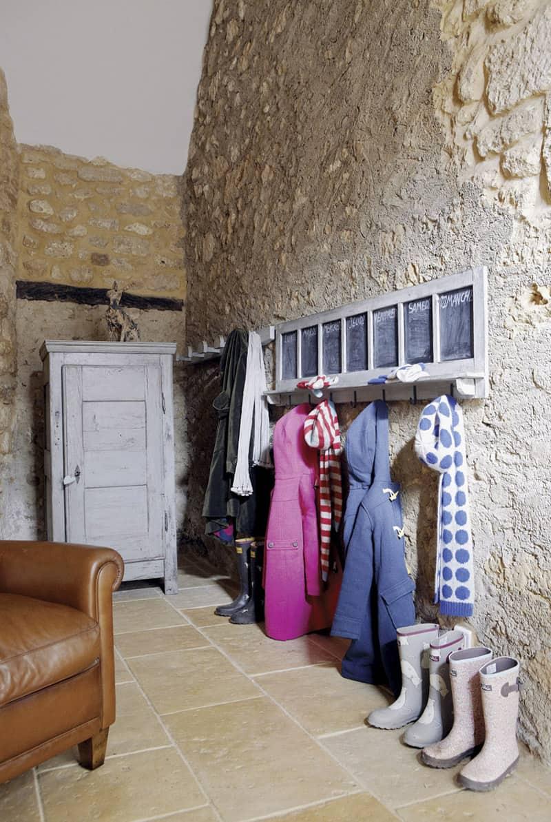 Hallway cloakroom