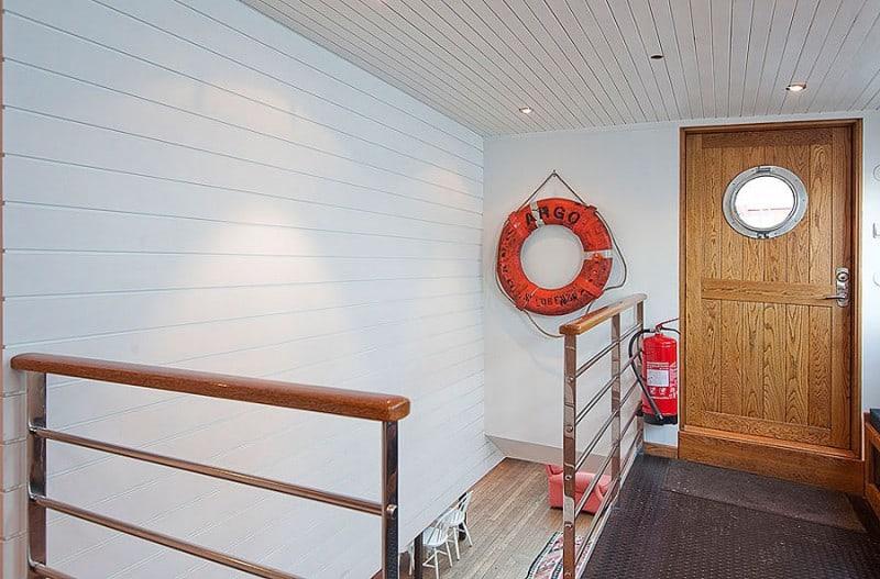 Barge-in-Stockholm-designrulz (10)