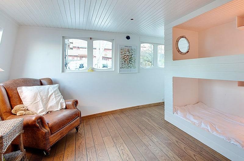 Barge-in-Stockholm-designrulz (12)