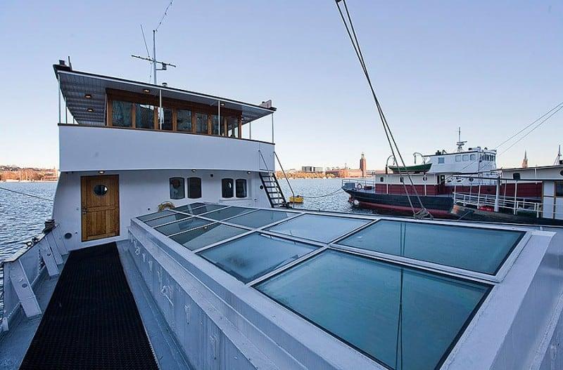 Barge-in-Stockholm-designrulz (14)