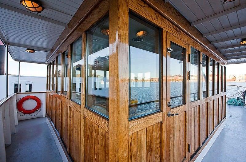 Barge-in-Stockholm-designrulz (2)