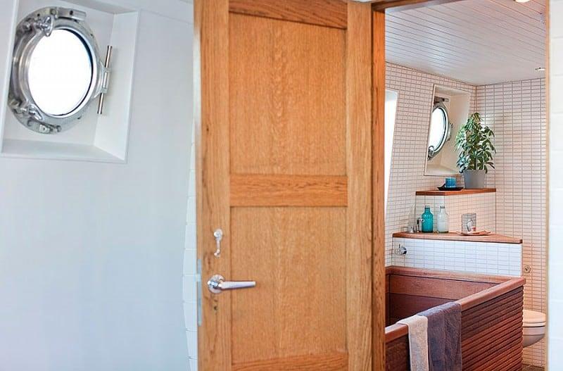 Barge-in-Stockholm-designrulz (21)