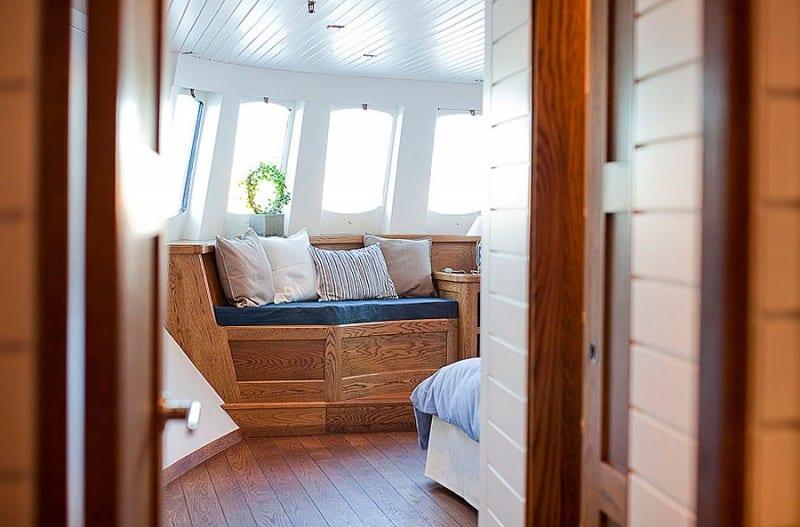 Barge-in-Stockholm-designrulz (22)