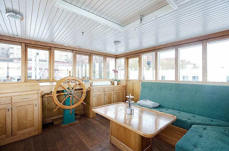 Barge-in-Stockholm-designrulz (4)
