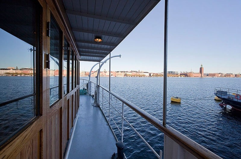 Barge-in-Stockholm-designrulz (7)