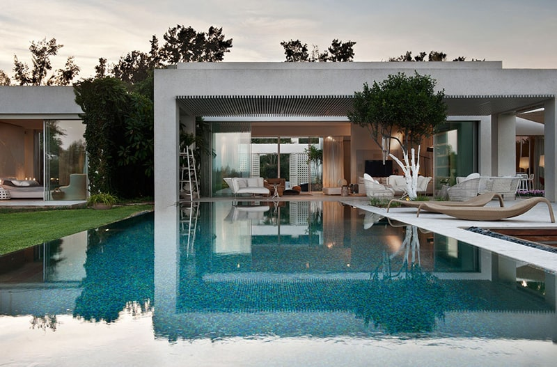 Contemporary architecture at its best modern villa by studio smadar for Villa style moderne