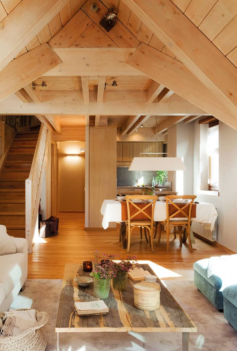 Small and cozy mountain tiny cottage in val d 39 aran spain for Bungalow house interior designs