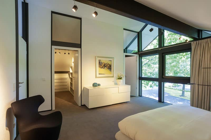 modern timber house with glass facade by huf haus germany. Black Bedroom Furniture Sets. Home Design Ideas