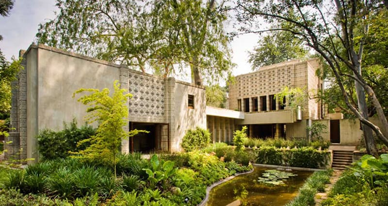 Frank-Lloyd-Wright-House-designrulz-11