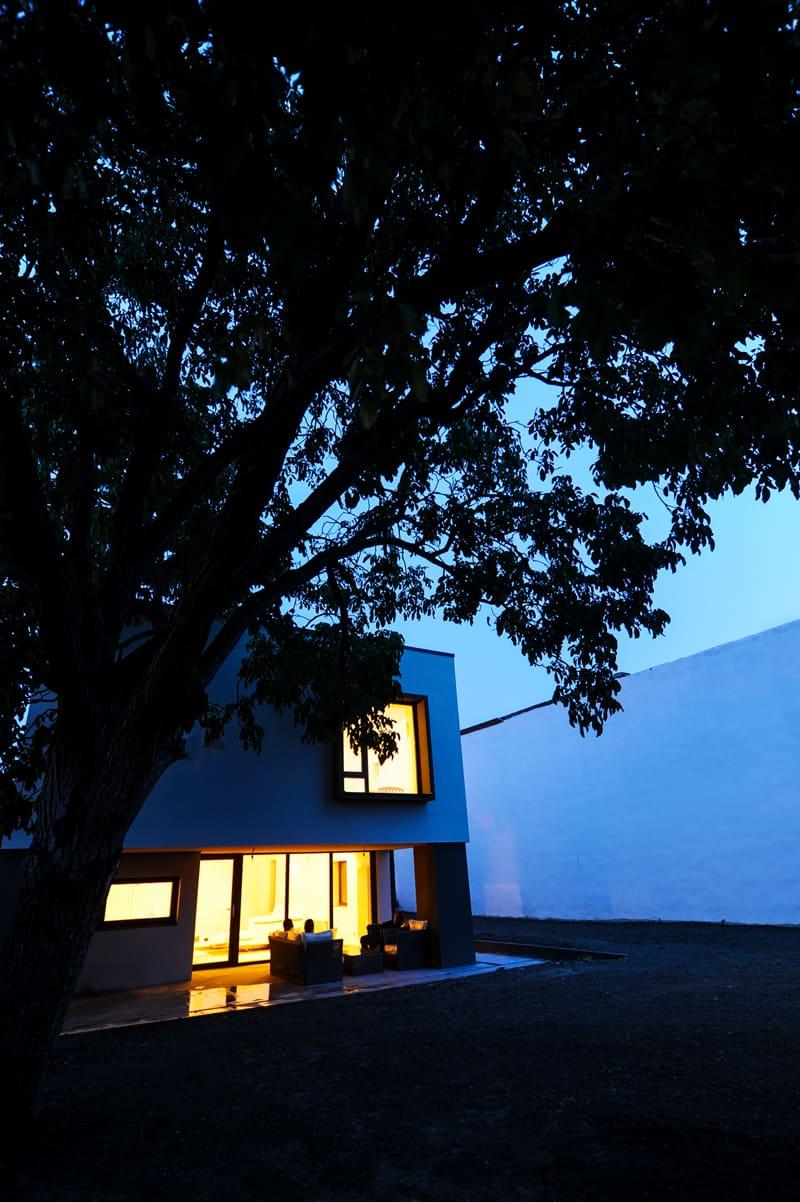 Ngôi nhà với đèn màu designrulz (1)