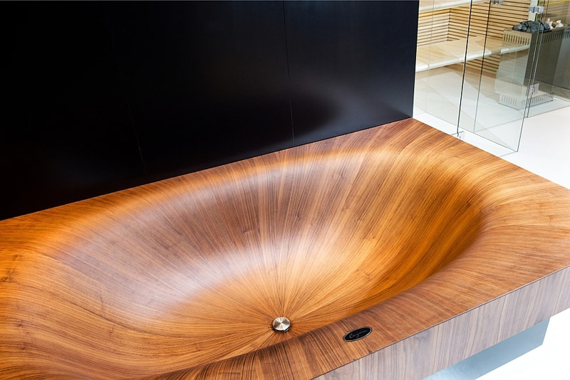 Stylish-modern-wooden-bathtubs