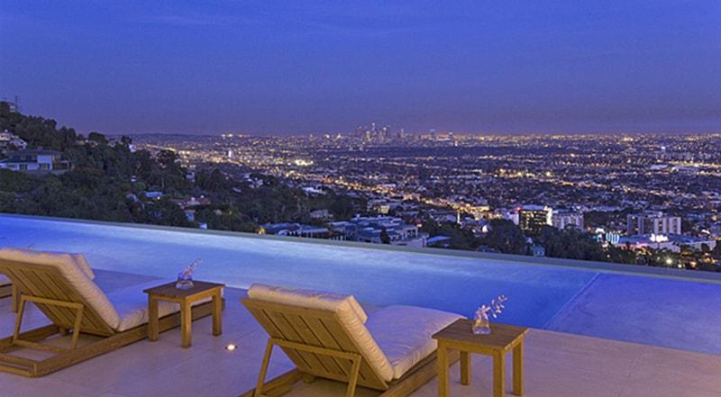 Infinity Pool Villa By Mcclean Design Los Angeles