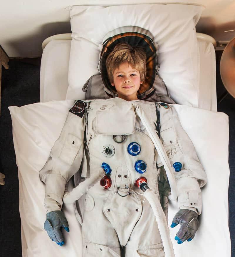 astronaut duvet (1)