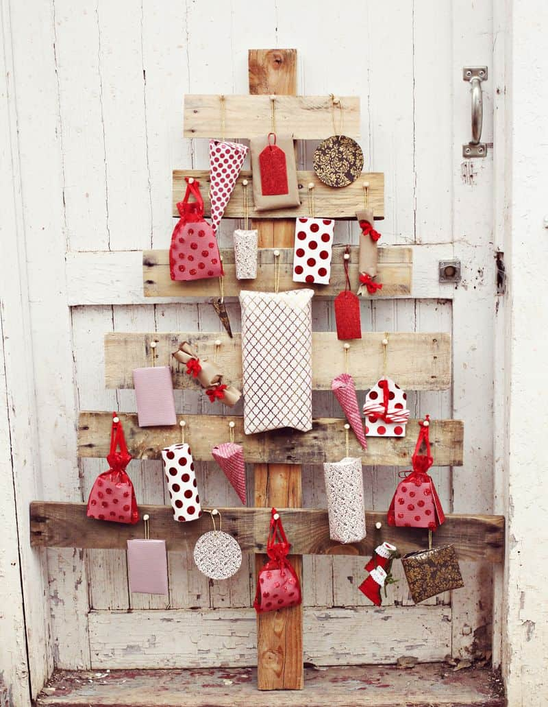 Christmas pallets (3)