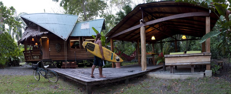 Natural and eco friendly tree houses for rent in costa rica for Eco beach house designs