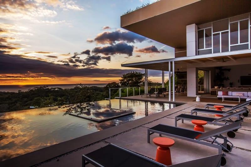 EOS Luxury Rental Home designrulz (1)