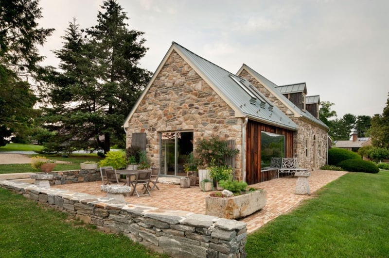 Modern reinterpretation of a private rural house pennsylvania for Home designs rural