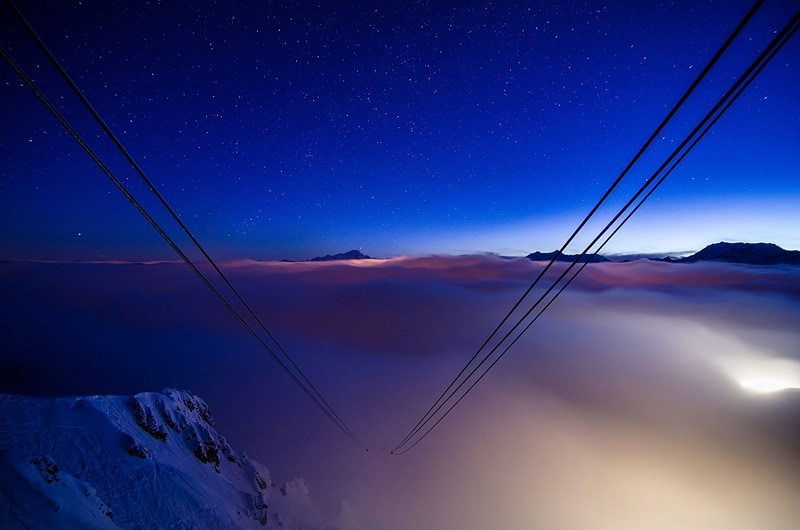 airbnb_cable_car_9000_feet_room_designrulz (8)