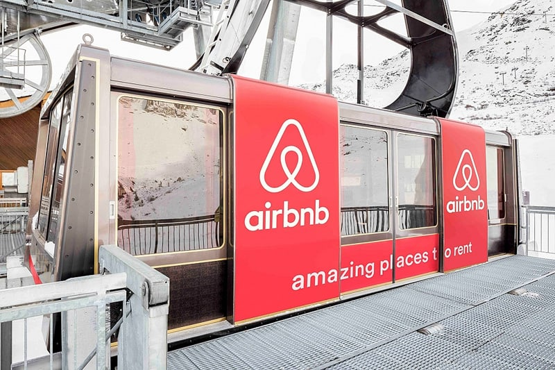 airbnb_cable_car_9000_feet_room_designrulz (9)