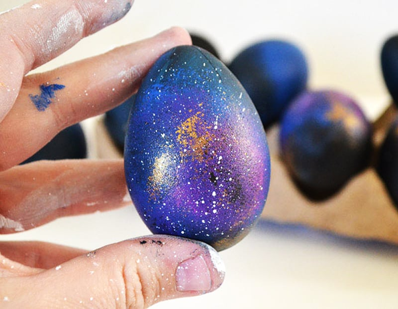 how-to-make-galaxy-easter-eggs (3)